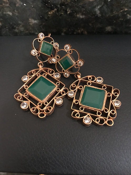 Swift Emerald Earrings