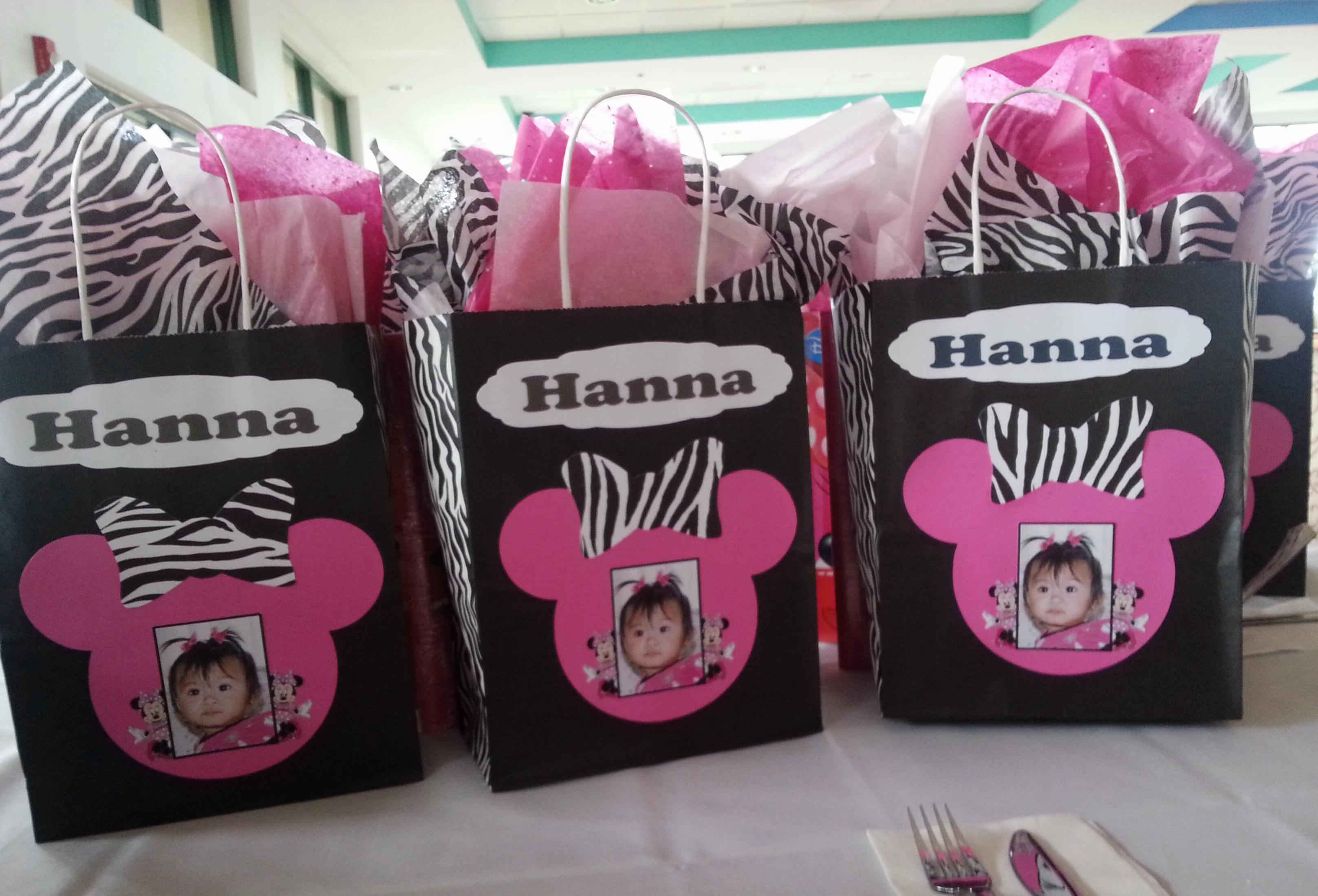 zebra minnie mouse centerpieces