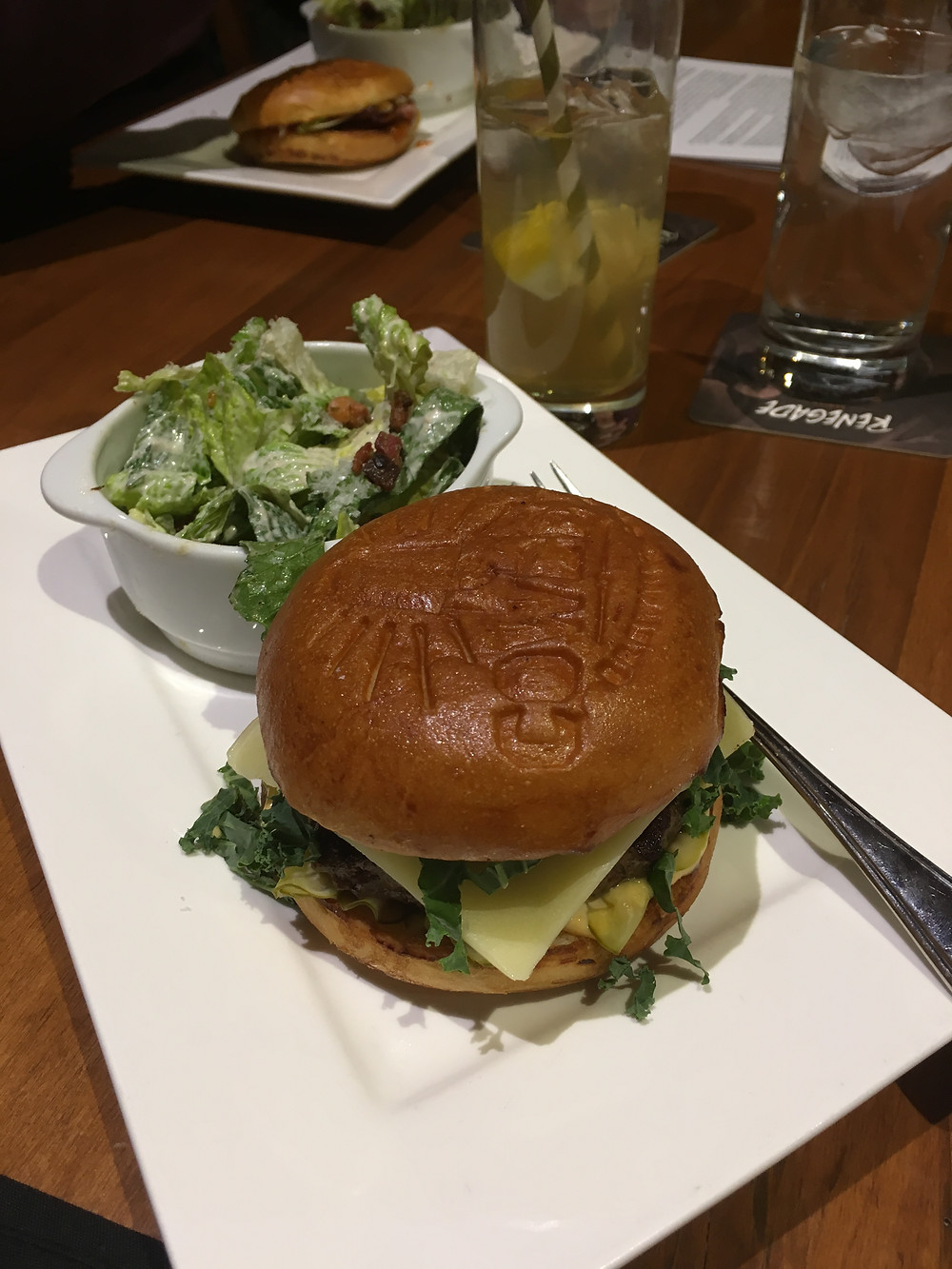 Cowbell classic Handhel burger