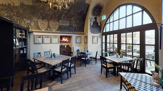 LowenBrauhausPassau-Dining-Room.jpg