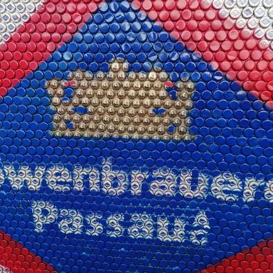 Löwenbrauerei Logo aus Kronkorken - eingereicht von den Ratzinger Buam