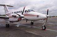 1200px-Beechcraft_Super_King_Air_B200_vr