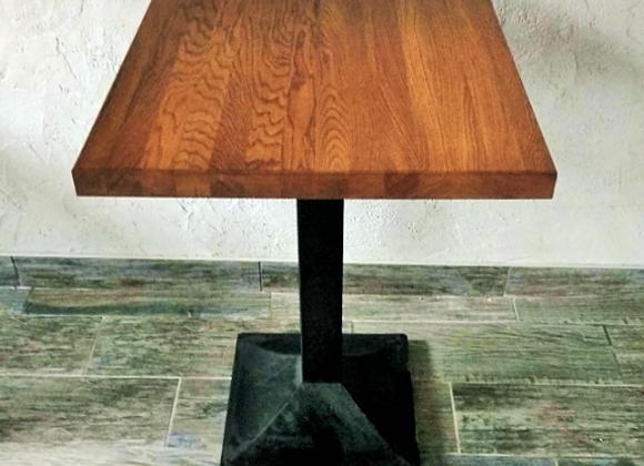 Стол на подстолье Верона из цельноламельного дубового щита 80х80см.