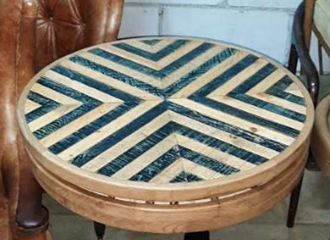 Столешница деревянная мозаика d-80 см.(черная полоска)