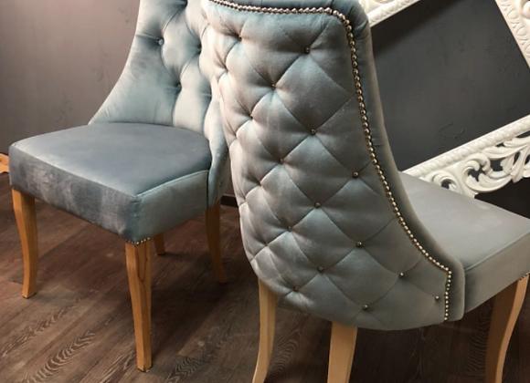Дизайнерский стул Капитоне (голубое серебро)