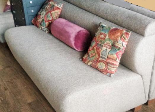 Модульный диван с подушками 150см.