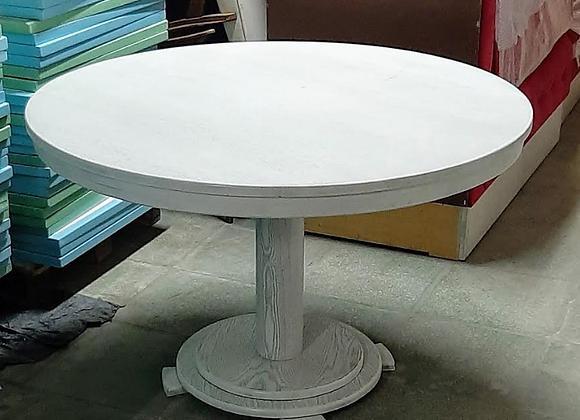 Большой круглый стол массив d-120 cм.