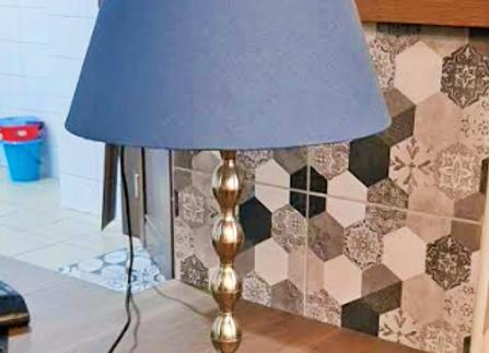 Настольная лампа Экарп с абажуром