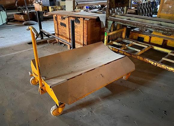 (1) Cloth Roll Trolley