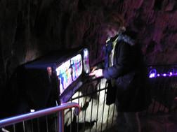 FW2014_Pooles-Cavern-installing(650)_res