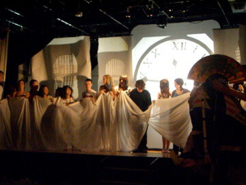 FW2007_SMB-0812-rehearsals(5752)_res.jpg