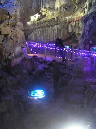 FW2014_Pooles-Cavern-installing(572)_res