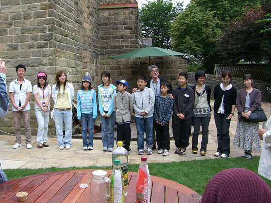 FW2005_BMS-garden-party(456)_res.JPG