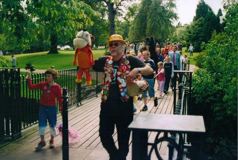 BPF2004_opening-parade(2)_res.jpg