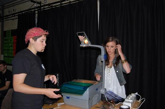 FW2010_BPF-YG-showcase-setting-up(427)_r