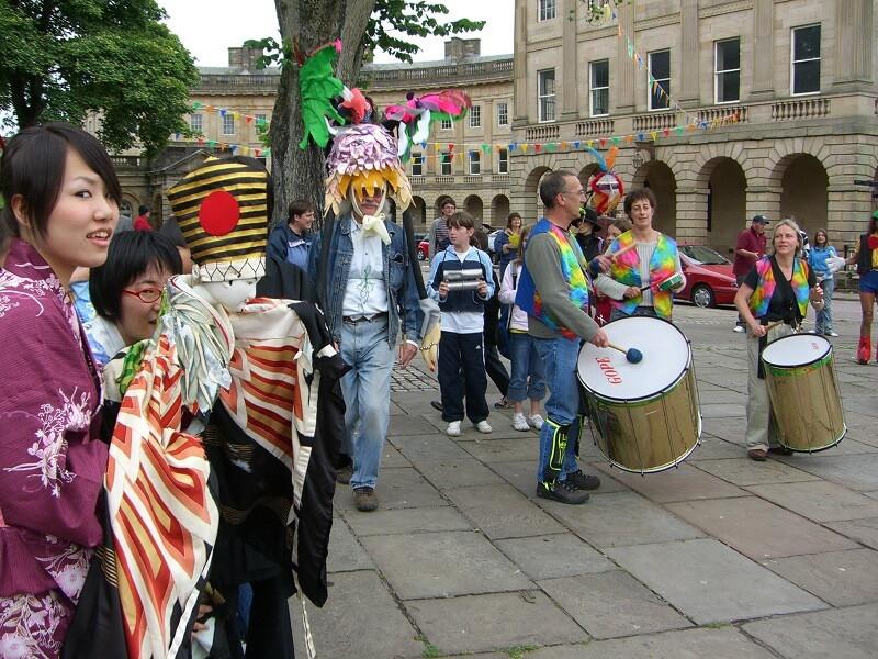 FW2005_BPF-parade(172)_res_comp.jpg
