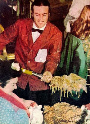 Lennon Spaghetti Shovel