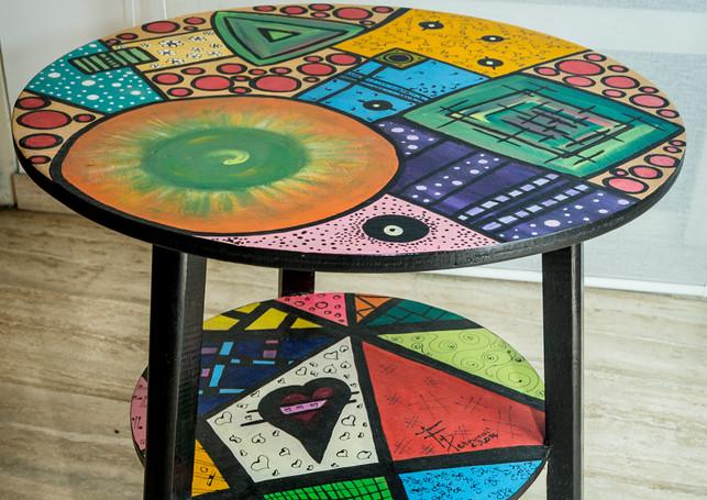 - Mesa colorida -