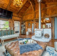 Cabin Connoisseur