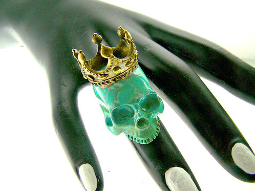 Patina Color crown skull  ring in brass