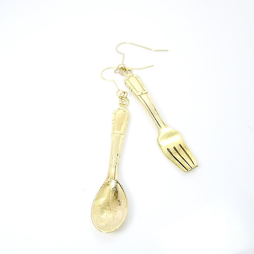 spoon and fork earring in brass