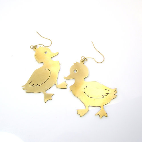 Ducks earring in brass