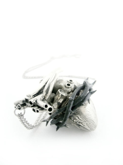Heart of thorn pendant in white bronze