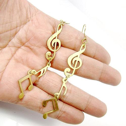 Music note earring in brass