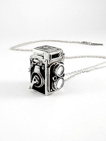 Twin-lens Reflex Vintage Camera pendant in WB