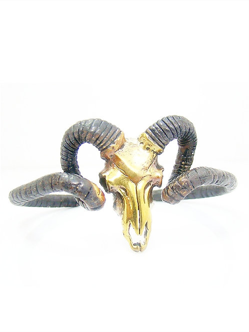 Handcrafted Goat Skull bangle in white bronze and oxidized color