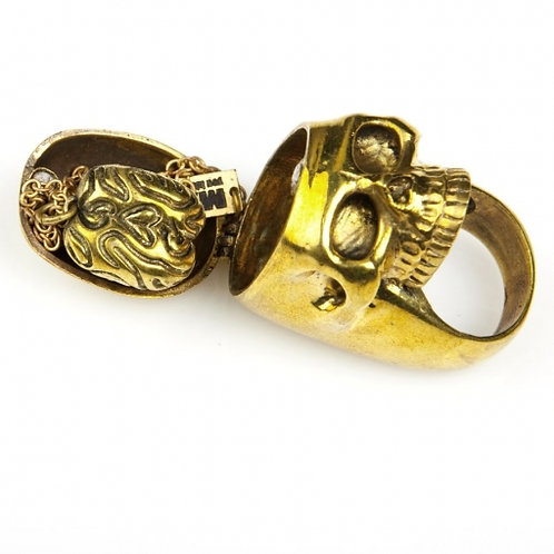 Skull ring and brain pendant in brass