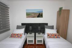 חדר שינה 2 אופציה למיטות מופרדות