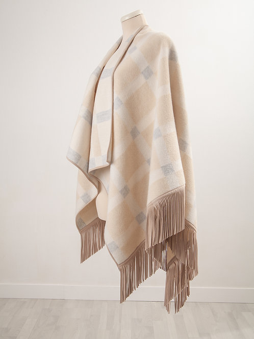 LC2148 NATRUALRELAXED CAPE WITH SUEDE FRANGE