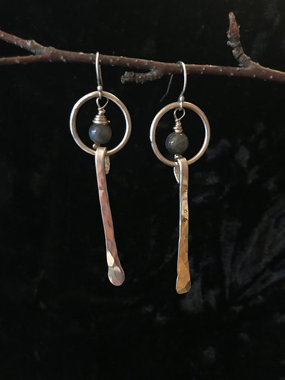 Sterling silver hammered bar with labradorite earrings