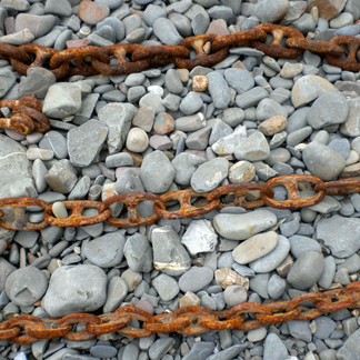 3 Rusty Chains