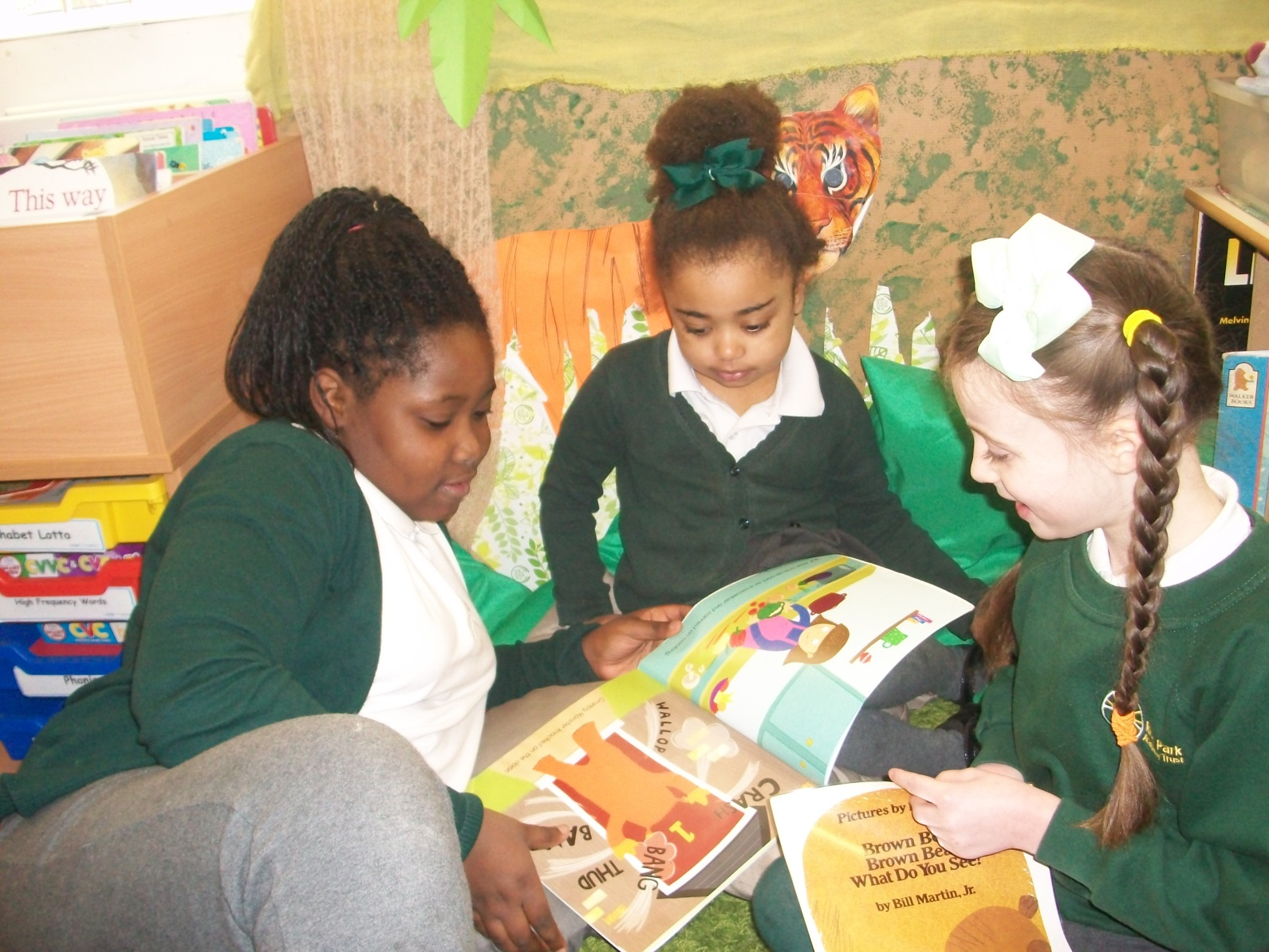 Book sharing with Junior pupils