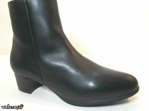 Botín de napa color negro (32070)