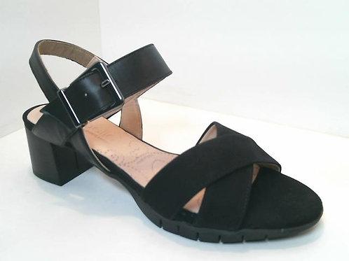 Sandalia de piel color negro (32554)