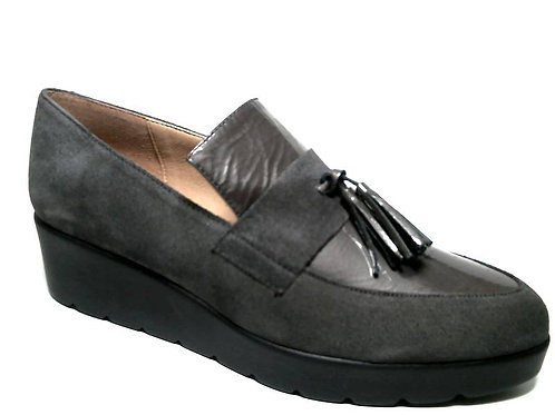Zapato de vestir de serraje-charol color gris (29374)