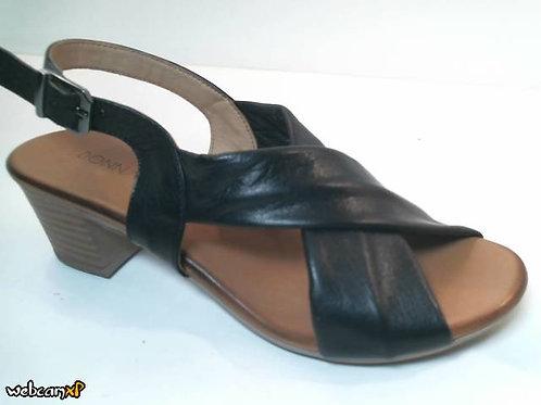 Sandalia de piel color negro (32462)