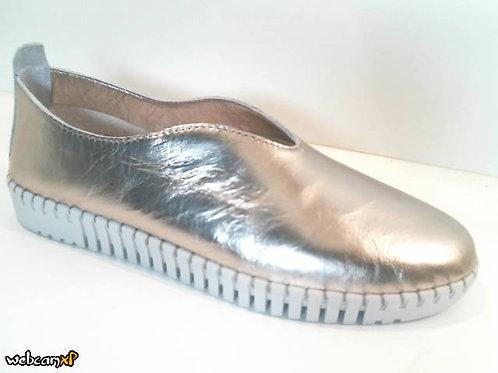 Zapato tipo casual de piel wash color oro (32014)