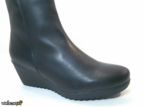 Bota de napa color negro (32071)