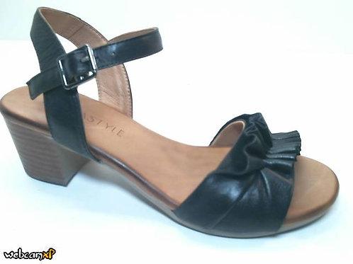 Sandalia de piel color negro (32467)