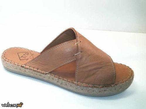 Sandalia de piel color cuero (32319)