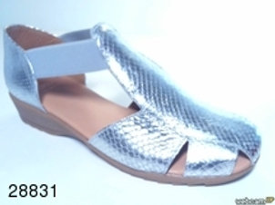 Sandalia de serpiente-elasticoplata color plata (28831)