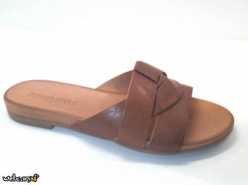 Sandalia de piel color cuero (32451)