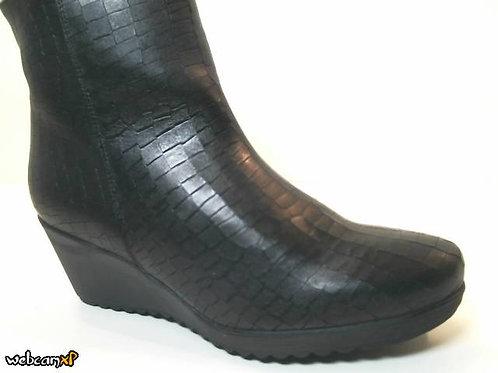 Botín de piel grabada coco color negro (32072)