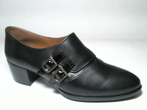 Zapato de vestir de napa-chcorreas color negro (29084)
