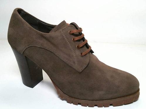 Zapato de vestir de serraje color cuero (29579)