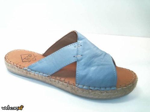 Sandalia de piel color azul (32320)